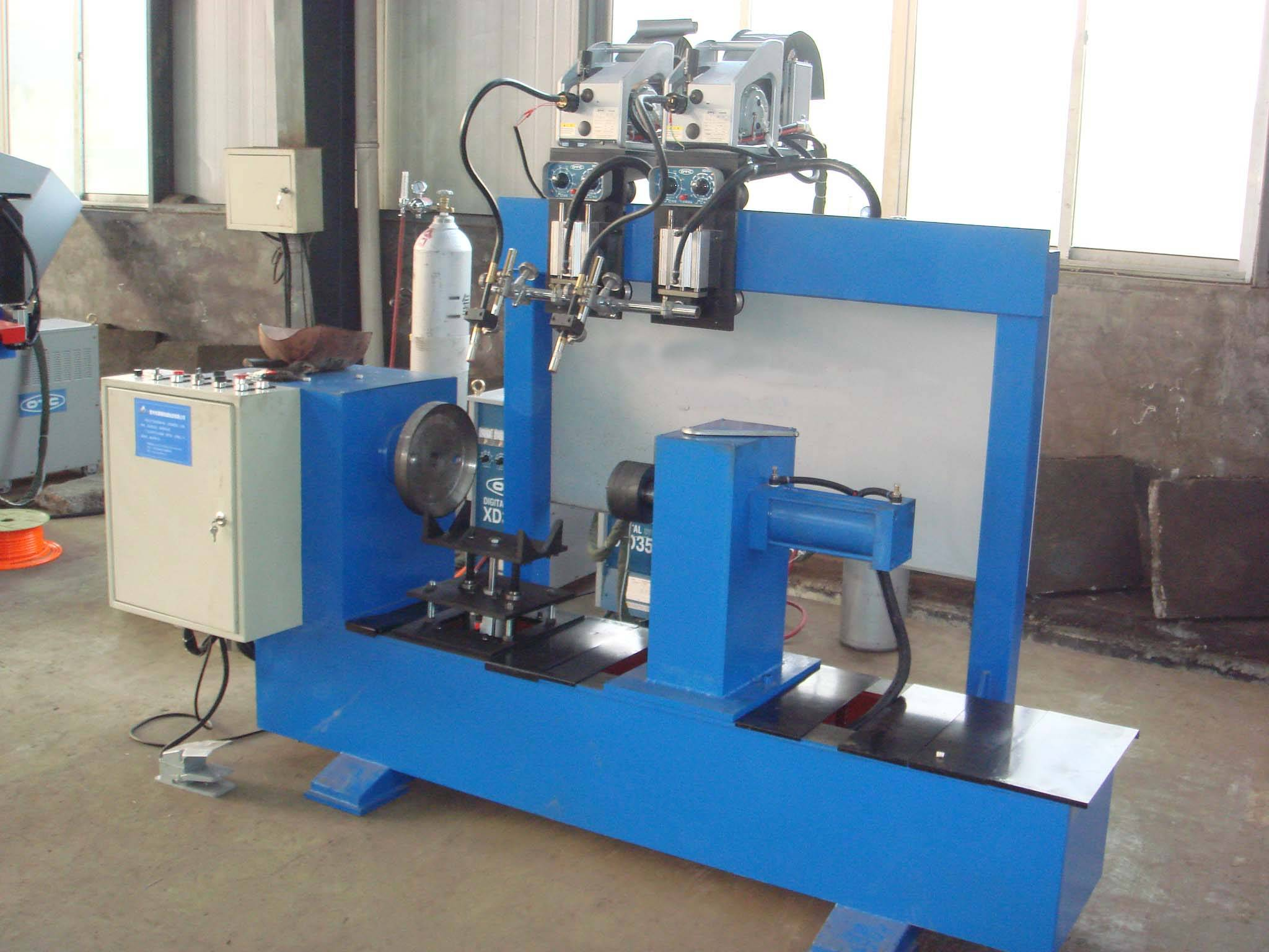 Double Torches Circumferential Seam Welding Machine