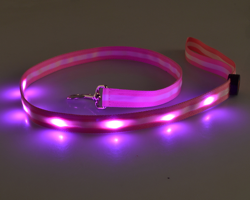 Stripe webbomg LED dog leash with round off switch for pet products from factory supply
