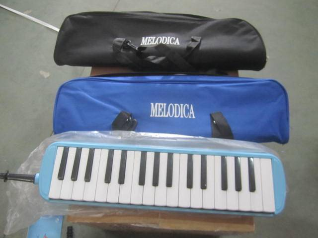 Colorful and cheap 32 key musical melodica toy for sale
