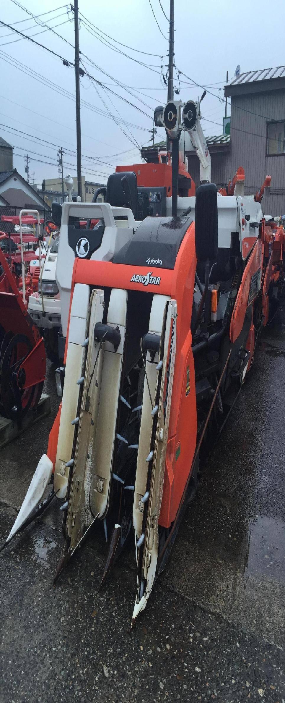 Used combine harvester Kubota Aerostar AR 335