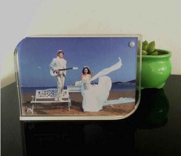 5*7 inches clear acrylic picture holder