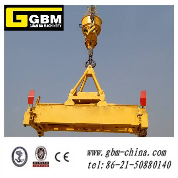 Hydraulic telescopic rotating container spreader