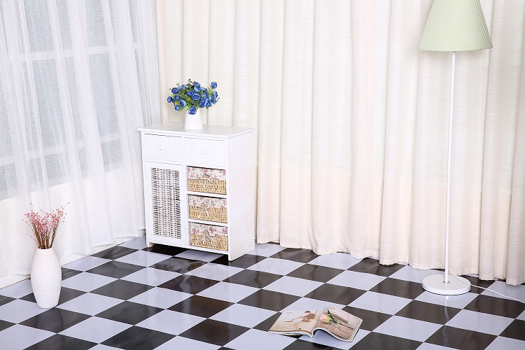 PVC sheet flooring with pure plastic