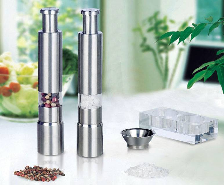 hand pepper salt mill
