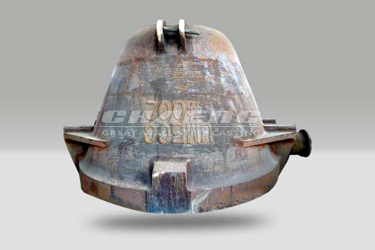 Steel casting ladle for steel making industry