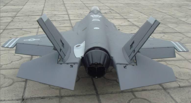 RC plane F35