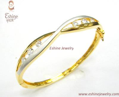 Classical Engagement Brass jewelry Bangle with gold plating