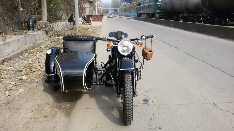 Black Color With White Stripe 750cc Motorcycle Sidecar