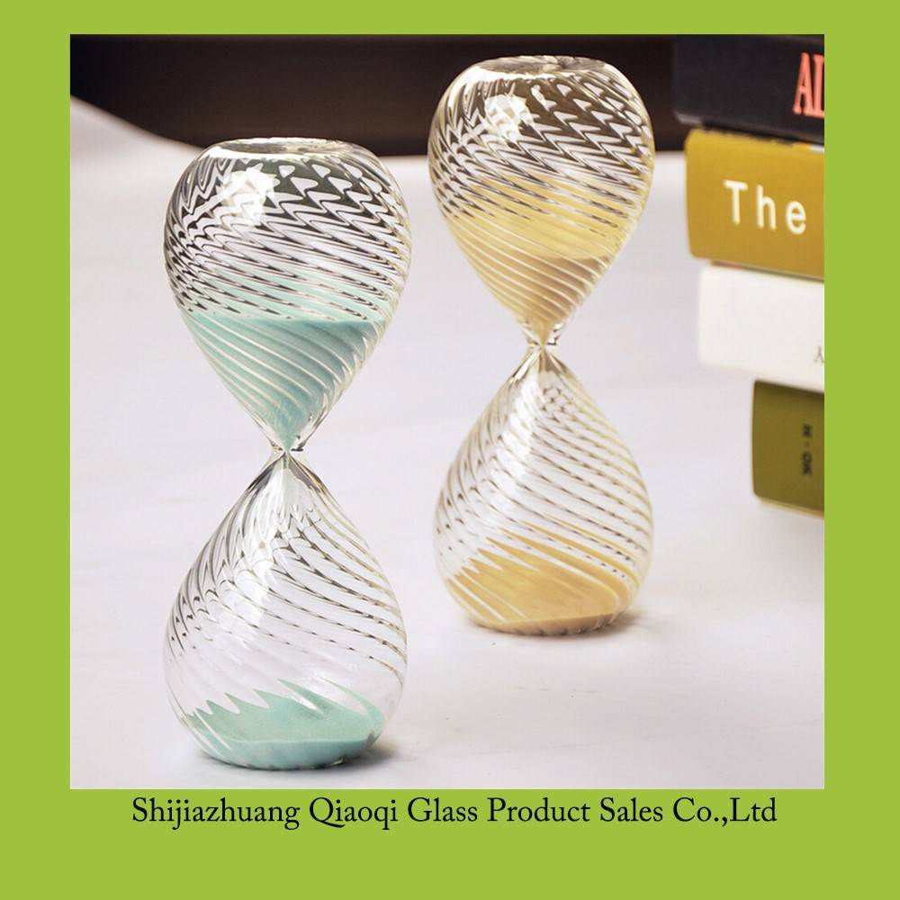 Handmade Blown Three Sizes Cheap Wholesale Twisted lines Hourglass