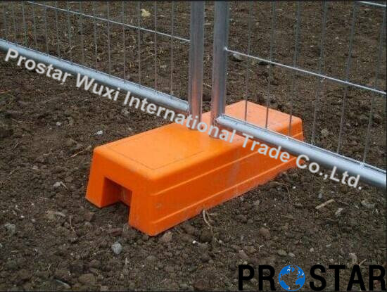 Weather Resistent Temporary Fence with Plastic Block