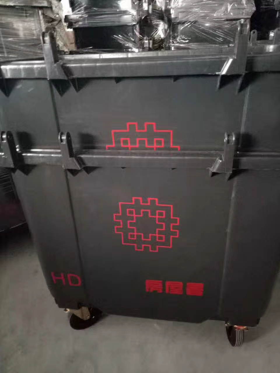1100l waste bins