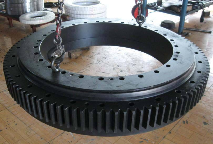 Slewing Bearing with Black Coating Leader China Manufacturer