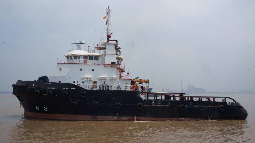 PSV tugboat