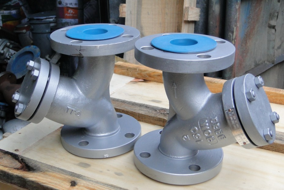 API Flanged Cast Steel Y Strainers
