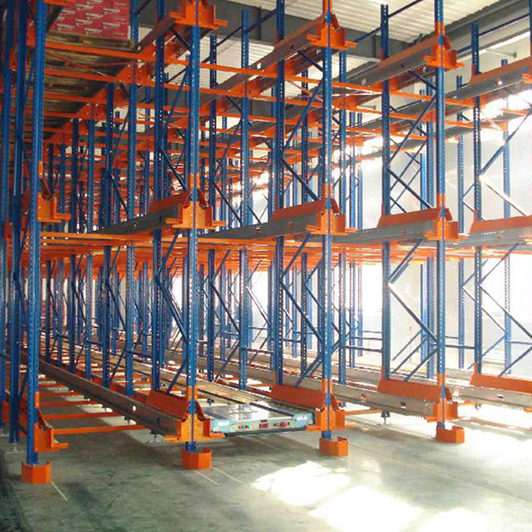 Heavy duty pallet racking with industry warehouse