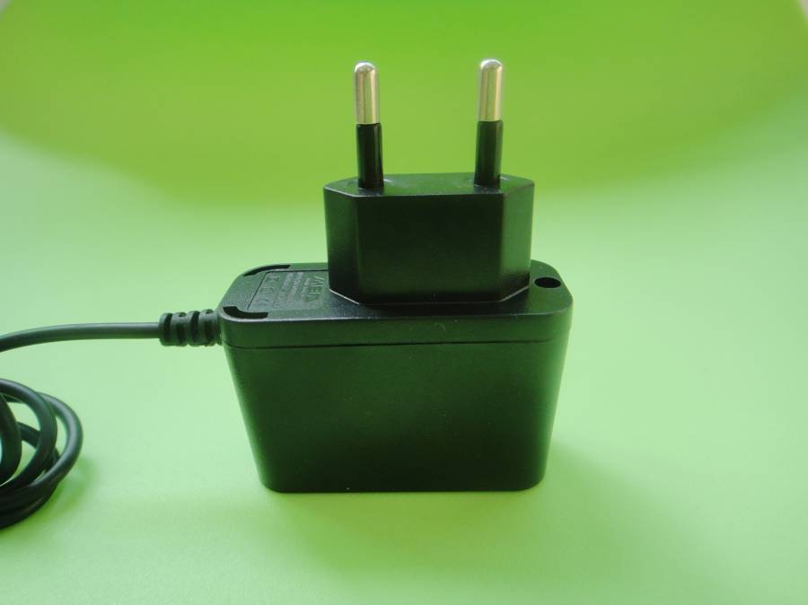 Mobile phone charger, 1,000mA current charger for smart phone GYS-188