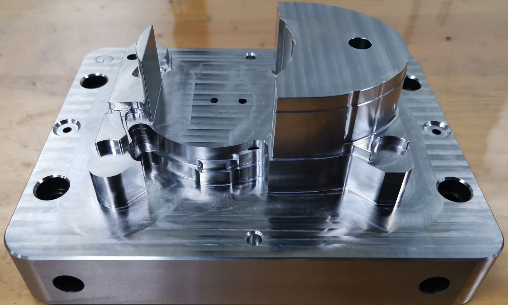 2020 real plant of precision mold parts and mold components in China
