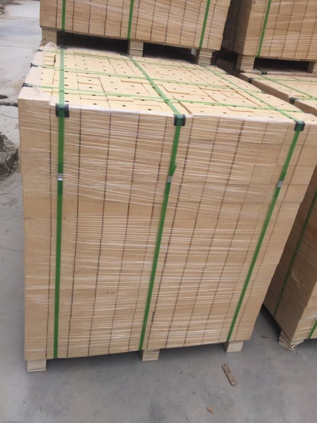 Wooden pallet foot Chinese compressed chip block