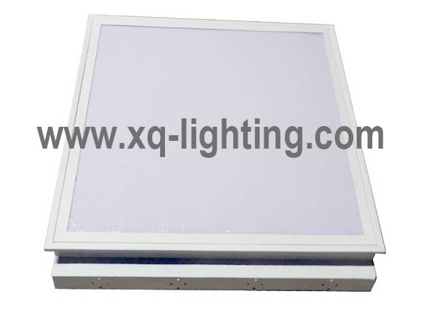 T8 IP40 recessed Grille lighting fixture with opal cover. T8 recessed fluorescent fixture