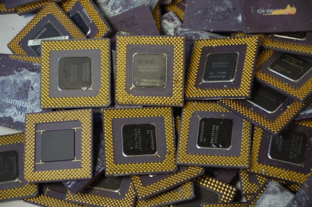 Electronics Scrap /Electronic Mobile phone Scrap and Computer Ram Scrap/Ceramic Computer CPU Scrap