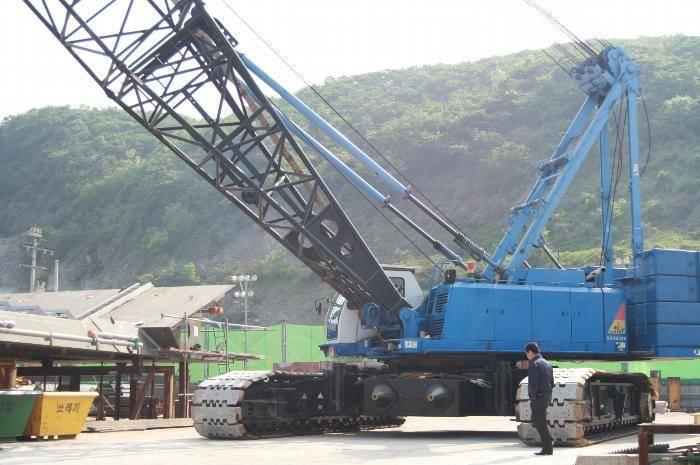 Hitachi-Sumitomo 250 ton crawler crane CCK2500