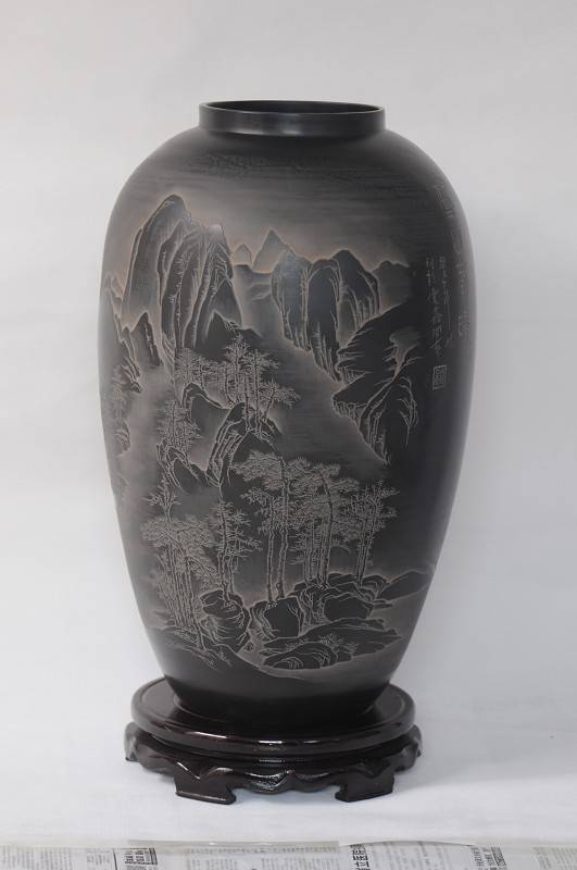 Shandong Longshan black pottery pottery decorated with ancient ceramic crafts, mountain spring