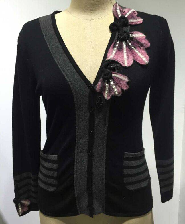 Fashion woman's flower decro cardigan