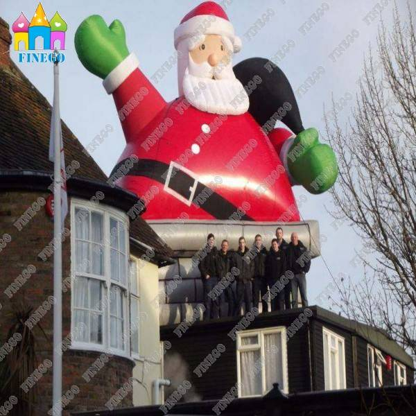 Attractive Large Inflatable Santa Claus Decoration