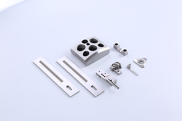 Wire cutting of high precision mould parts Precision plastic mold parts