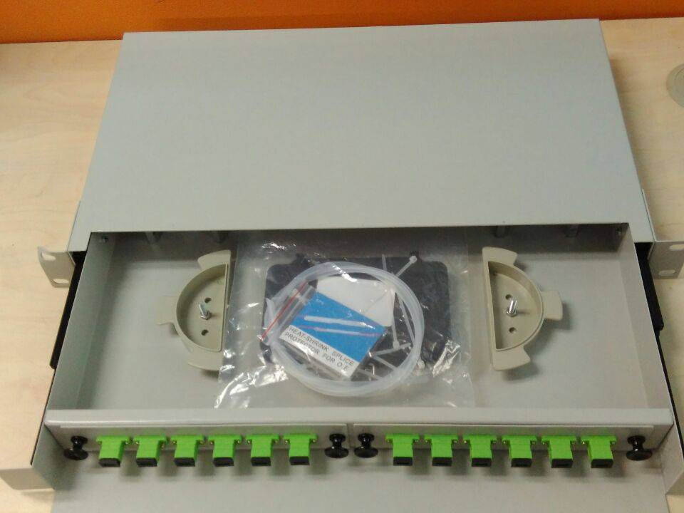 12 ports Fiber  optic patch panel loaded with adapters/connectors