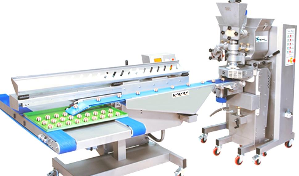 Cookies machine with conveyor