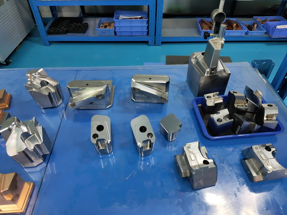 2020 in China real manufacturer of mold parts and mold components