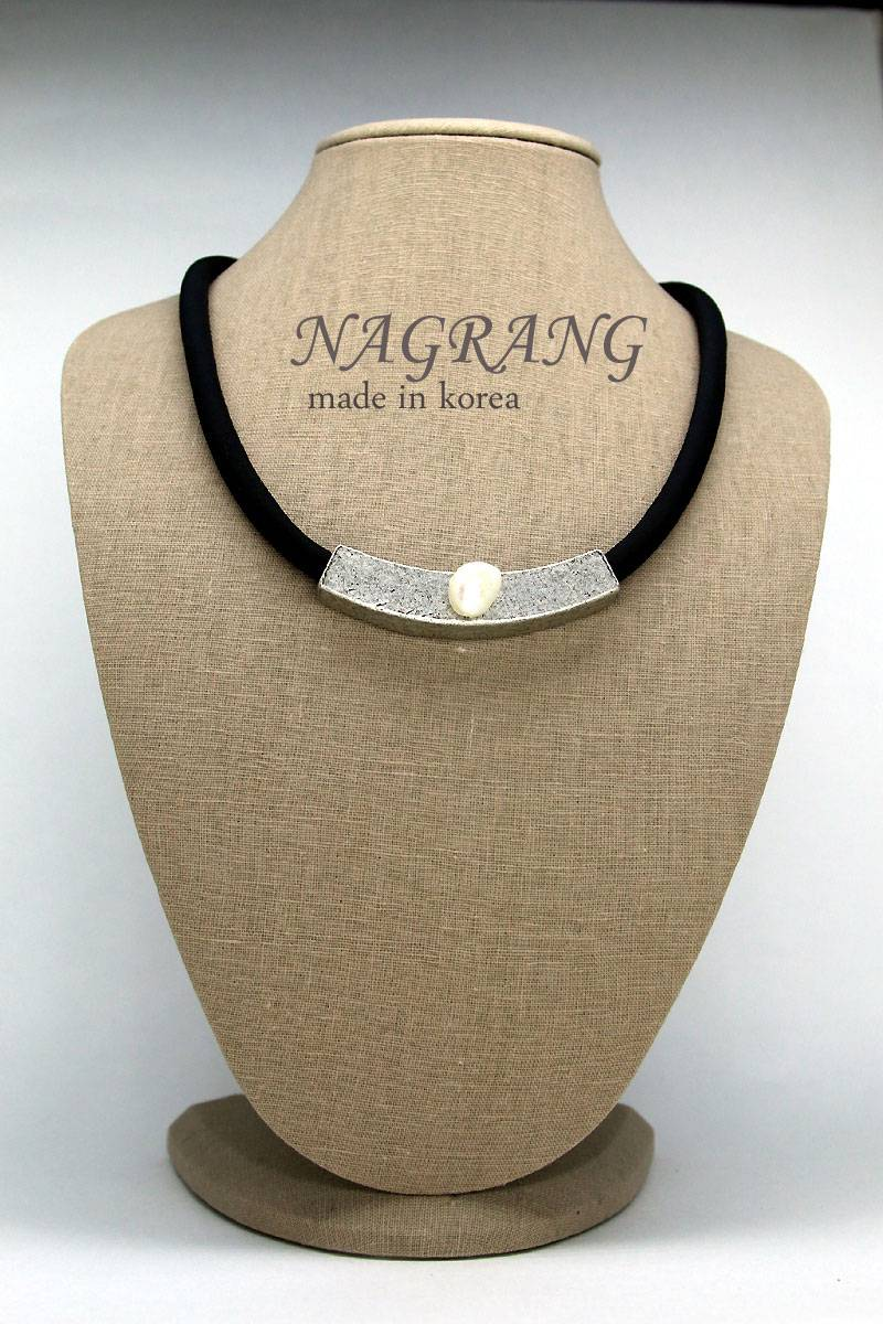 NAGRANG Simple pipe necklace with pearl