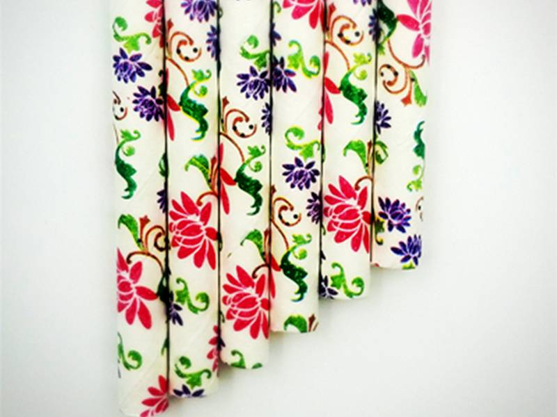 Red and purple lotus paper straws