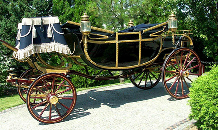 Royal Vintage Carriage