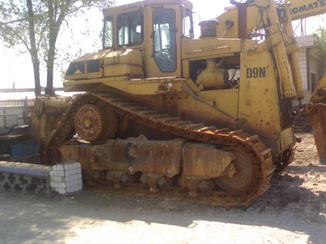 used CAT D9N Bulldozer