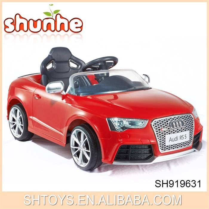 Licenses AUDI RS5 R/C ride on car with wheel light children car