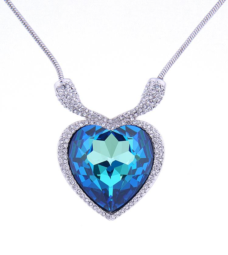 Hot Selling Style Heart Necklace with Beautiful Stone Wholesale