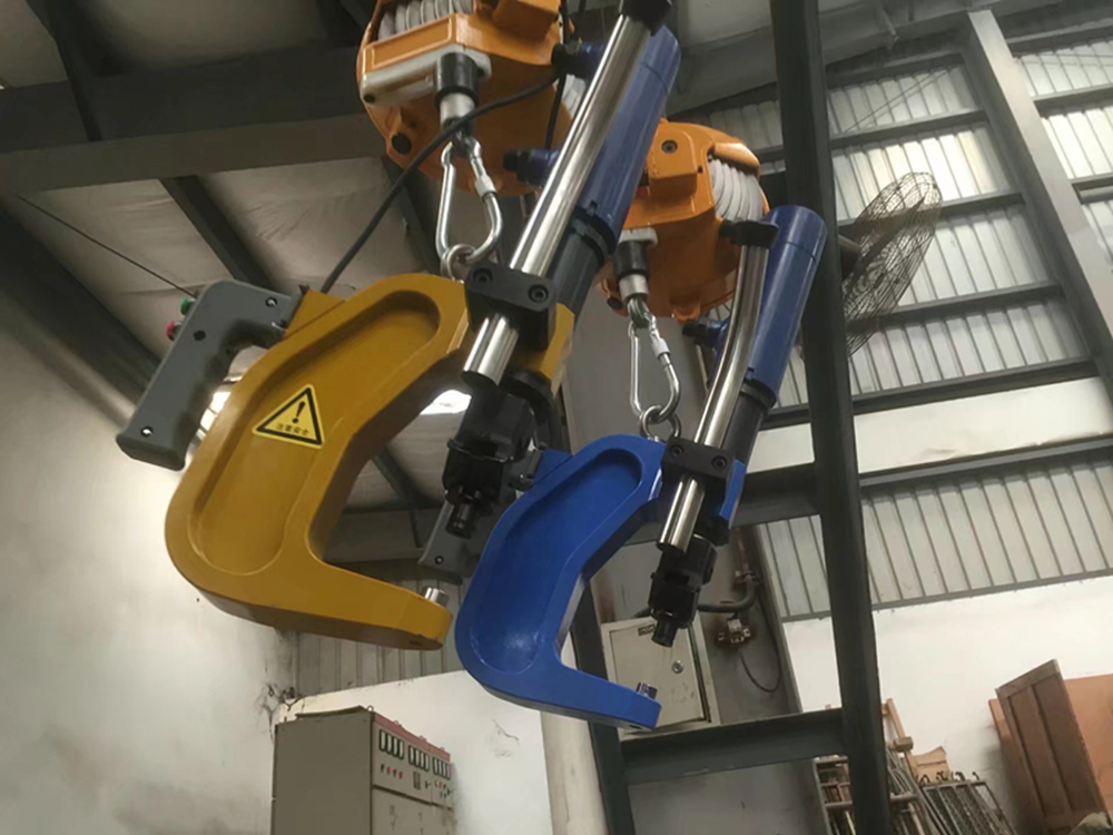 Automatic rivet feed Self-Pierce Riveting Manual hydraulic riveting systems