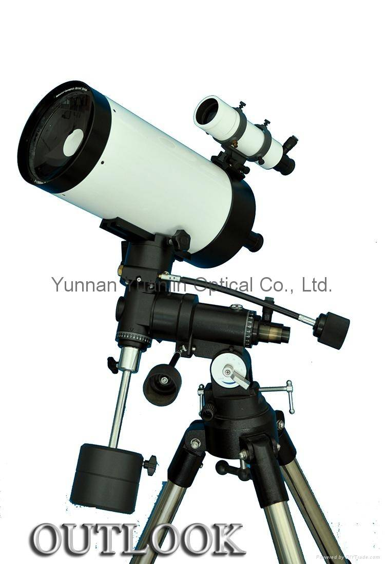Refracting-reflecting telescope MC152-1900 astronomical binoculars