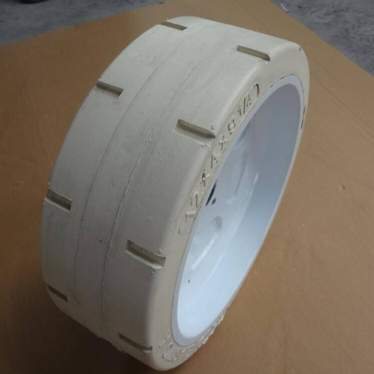 airless tires for suv 12x4x9 1/4 in stations ports