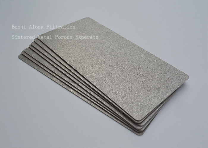 High temperature solid electrolyte oxide fuel cell electrode matrix sintered porous metal plate