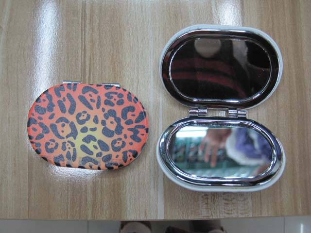 Leopard Print Oval PU Mirror LFM2210 Pocket Mirror