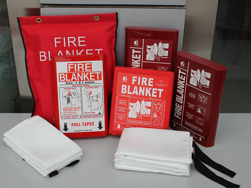 EN1869 Approved fibreglass fire blanket