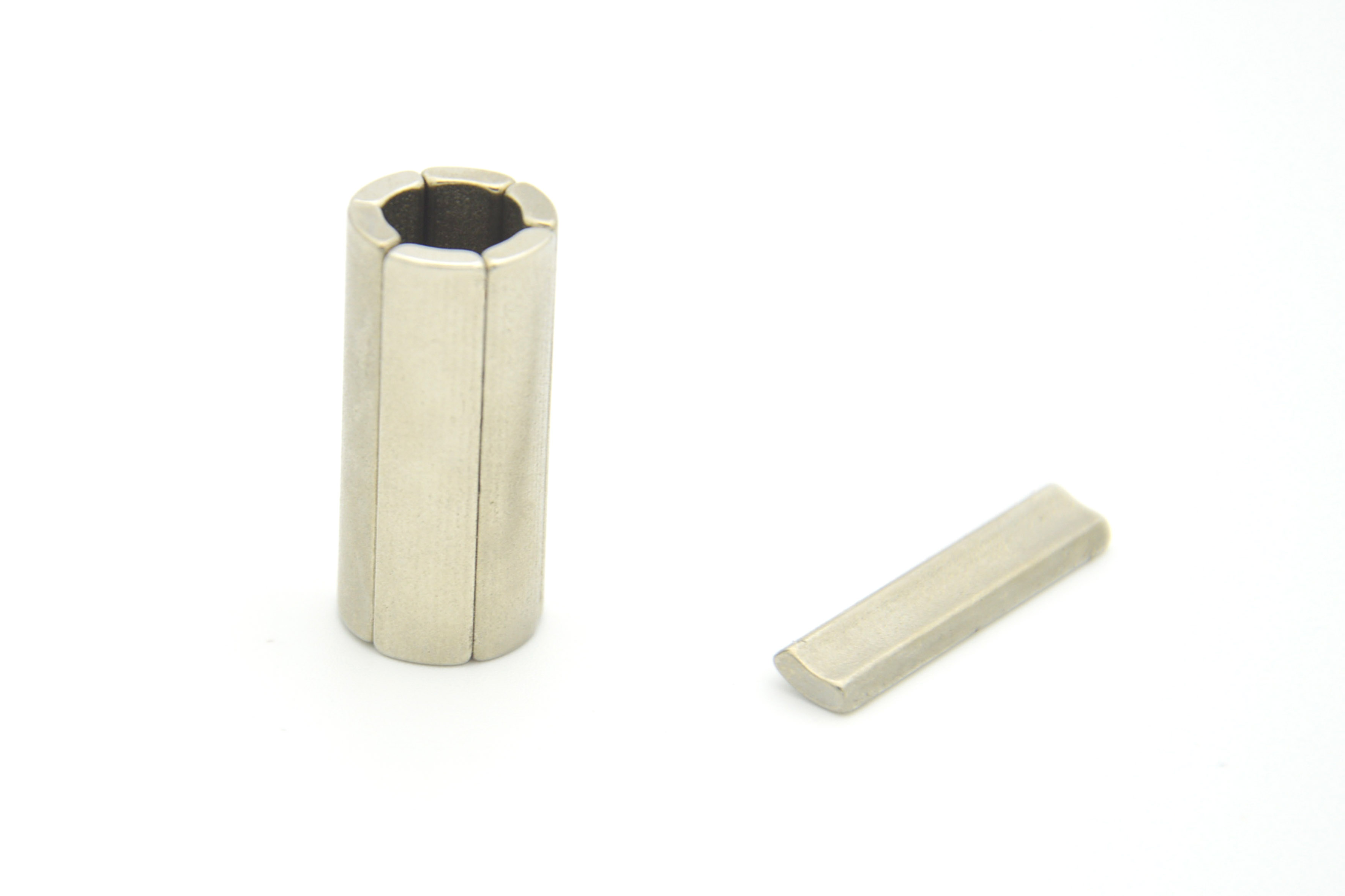 Arc rare earth (NdFeB) magnets with NiCuNi coating