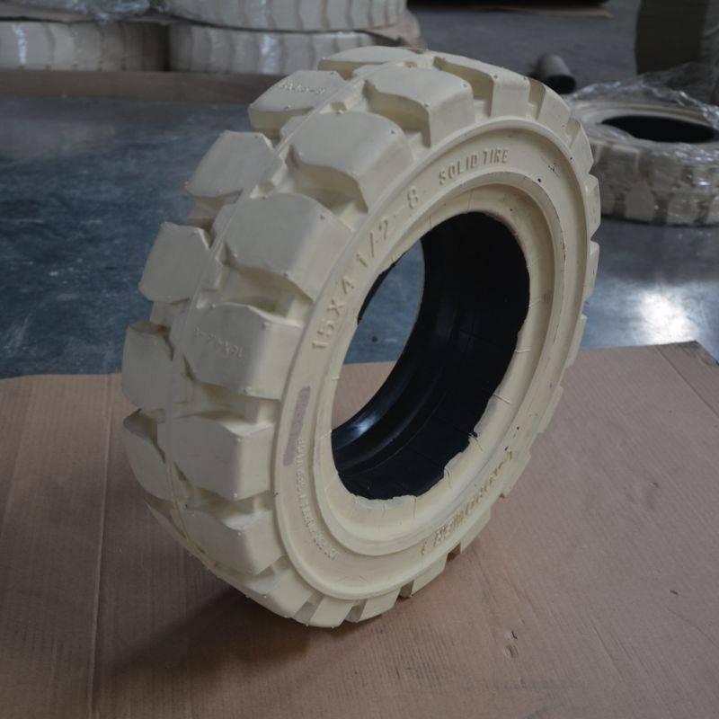 industrial otr tyre 15x4 1/2-8  in seaports