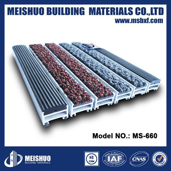Heavy duty aluminum entrance mats
