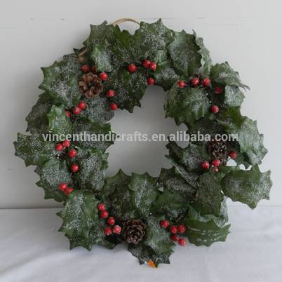 Artificial Christmas wreath red berry with pinecorn decoration for home or garden decorative