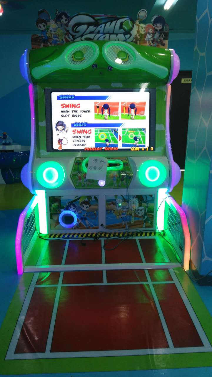 Tennis game machines body feeling PK with others arcade amusement park.