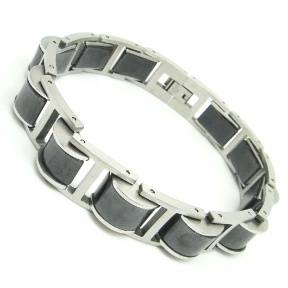 Wheel-shaped bracelet